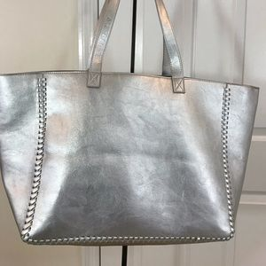 NWOT- Sams fifth avenue silver tote